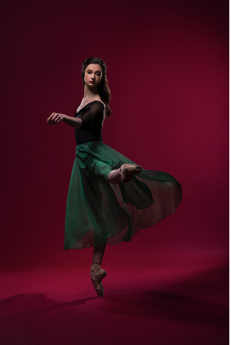 coloradoballetstudiophotographerballerinared
